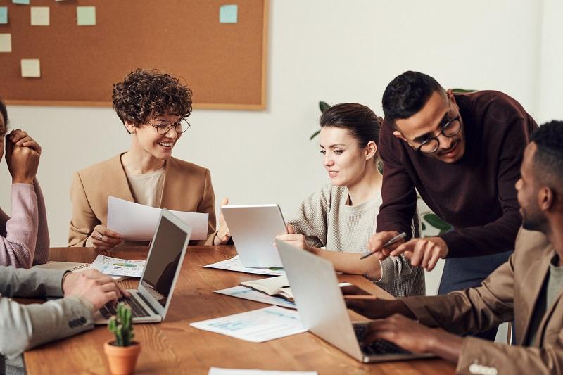 【鍾文雄×關鍵數字】正在考慮轉職嗎?解析2021年產業前景與就業市場趨勢